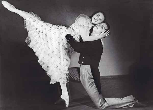 """Г. Уланова и Ю. Жданов в балете """"Медный всадник"""" Фотография с сайта http://www.nasledie-rus.ru"""